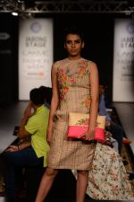Model walk the ramp for Neha Agarwal at LFW 2014 Day 6 on 24th Aug 2014 (104)_53fc922e6235d.JPG