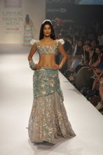 Model walk the ramp for Shehla Khan at LFW 2014 Day 5 on 23rd Aug 2014 (142)_53fc91c826f1a.JPG