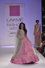 Nargis Fakhri walk the ramp for Anushree Reddy at LFW 2014 Day 5 on 23rd Aug 2014 (10)_53fc8f84481fa.JPG