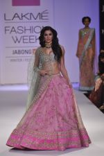 Nargis Fakhri walk the ramp for Anushree Reddy at LFW 2014 Day 5 on 23rd Aug 2014 (12)_53fc8f86c14f4.JPG