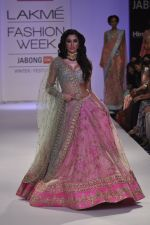 Nargis Fakhri walk the ramp for Anushree Reddy at LFW 2014 Day 5 on 23rd Aug 2014 (13)_53fc8f8823094.JPG