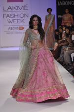 Nargis Fakhri walk the ramp for Anushree Reddy at LFW 2014 Day 5 on 23rd Aug 2014 (14)_53fc8f896b381.JPG