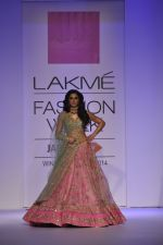 Nargis Fakhri walk the ramp for Anushree Reddy at LFW 2014 Day 5 on 23rd Aug 2014 (36)_53fc8fa52f92d.JPG
