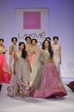 Nargis Fakhri walk the ramp for Anushree Reddy at LFW 2014 Day 5 on 23rd Aug 2014 (40)_53fc8fa9e30c6.JPG