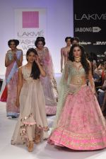 Nargis Fakhri walk the ramp for Anushree Reddy at LFW 2014 Day 5 on 23rd Aug 2014 (44)_53fc8fb38322e.JPG