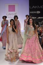Nargis Fakhri walk the ramp for Anushree Reddy at LFW 2014 Day 5 on 23rd Aug 2014 (45)_53fc8fb5eb84b.JPG