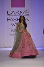 Nargis Fakhri walk the ramp for Anushree Reddy at LFW 2014 Day 5 on 23rd Aug 2014 (5)_53fc8f7c1f650.JPG