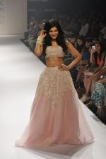 Shruti Haasan walk the ramp for Shehla Khan at LFW 2014 Day 5 on 23rd Aug 2014