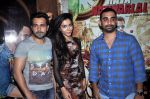 Emraan Hashmi, Humaima Malik, Kunal Deshmukh at Raja Natwarlal Special Screening in Sunny Super Sound on 26th Aug 2014 (44)_53fe0614d06b1.JPG