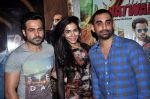 Emraan Hashmi, Humaima Malik, Kunal Deshmukh at Raja Natwarlal Special Screening in Sunny Super Sound on 26th Aug 2014 (45)_53fe0656eeecf.JPG