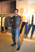 Rajat Kapoor at Levis Khadi Collection Launch in Khar on 26th Aug 2014 (201)_53fddb3fdee6a.JPG
