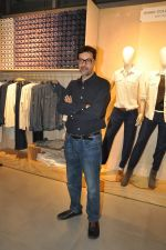 Rajat Kapoor at Levis Khadi Collection Launch in Khar on 26th Aug 2014 (204)_53fddb435b4f3.JPG