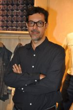 Rajat Kapoor at Levis Khadi Collection Launch in Khar on 26th Aug 2014 (207)_53fddb4654f7e.JPG