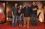 Tahir Raj Bhasin, Rani Mukerji, Pradeep Sarkar at the Media meet of Mardaani in YRF on 26th Aug 2014 (183)_53fe07307cbca.JPG
