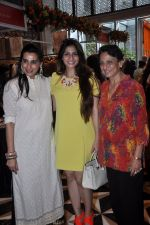 Tanuja, Tanisha Mukherjee, Mana Shetty at Araish in Four Seasons on 26th Aug 2014 (373)_53fe1061a2904.JPG