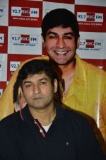 RJ Anirudh at Rishi Kapoor celebrates his birthday at 92.7 BIG FM on 27th Aug 2014 (11)_53fe9c5dabd45.JPG