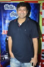 RJ Anirudh at Rishi Kapoor celebrates his birthday at 92.7 BIG FM on 27th Aug 2014 (17)_53fe9c645ab5b.JPG