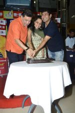 Rishi Kapoor celebrates his birthday with RJ Anirudh at 92.7 BIG FM on 27th Aug 2014 (123)_53fe9c4bcb151.JPG