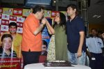 Rishi Kapoor celebrates his birthday with RJ Anirudh at 92.7 BIG FM on 27th Aug 2014 (129)_53fe9c4e01540.JPG