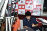 Rishi Kapoor celebrates his birthday with RJ Anirudh at 92.7 BIG FM on 27th Aug 2014 (31)_53fe9c35143c0.JPG