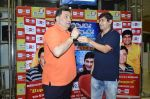 Rishi Kapoor celebrates his birthday with RJ Anirudh at 92.7 BIG FM on 27th Aug 2014 (68)_53fe9c3c8f28e.JPG