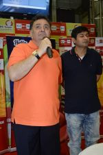 Rishi Kapoor celebrates his birthday with RJ Anirudh at 92.7 BIG FM on 27th Aug 2014 (71)_53fe9c3d84d93.JPG