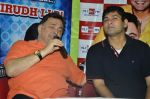 Rishi Kapoor celebrates his birthday with RJ Anirudh at 92.7 BIG FM on 27th Aug 2014 (93)_53fe9c40ad0bd.JPG