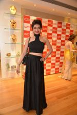 Karishma Tanna at Aza store launch in Bandra, Turner Road on 28th Aug 2014 (86)_53fff0ab98e85.JPG