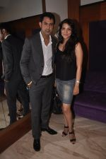 Gippy Grewal, Kulraj Randhawa at Double Di Trouble screening in Sunny Super Sound, Mumbai on 29th Aug 2014 (28)_5401e7bf725e5.JPG