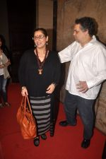 Dimple Kapadia, Sandeep Khosla at Finding fanny special screening in Mumbai on 1st Sept 2014 (216)_540573300e8d4.JPG