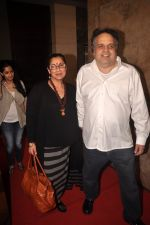 Dimple Kapadia, Sandeep Khosla at Finding fanny special screening in Mumbai on 1st Sept 2014 (220)_540573330d5ee.JPG