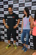 John Abraham and Nargis Fakhri at Reebok press meet in Khar, Mumbai on 1st Sept 2014 (23)_5405684b7903c.JPG
