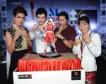 Priyanka Chopra with Mary Kom in Delhi to promote Mary Kom on 2nd Sept 2014 (34)_5406c6fef0041.jpg