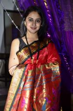 Mrinal Kulkarni at Nikitan Dheer wedding reception in ITC Grand Maratha on 3rd Sept 2014 (248)_5408638df40ec.JPG