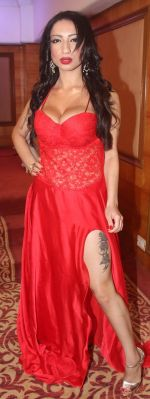 Shanti Dynamite posing at the first look launch of the movie _I Love Dubai__004 (6)_5407f5511bf57.JPG