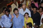 Mahesh Manjrekar visit Lalbaugcha Raja in Mumbai on 6th Sept 2014 (21)_540bf37b412a7.JPG