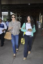 Sridevi, Khushi Kapoor returns from SIIMA on 14th Sept 2014 (36)_54168f14cd7bc.JPG