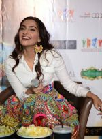 Sonam Kapoor  in Manish Arora dress  at Khoobsurat promotions at Vasant Kunj, Delhi on 15th Sept 2014 (62)_5417e6b1060f2.JPG