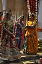 Roshni Walia at Maharana Pratap Singh wedding scene on location in Filmcity on 17th Sept 2014  (10)_541ab85ecc349.JPG