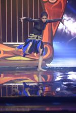 Karan Tacker at the grand finale of Jhalak Dikhhla Jaa in Filmistan, Mumbai on 18th Sept 2014 (255)_541c19a79adc2.JPG