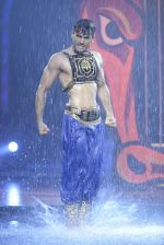Karan Tacker at the grand finale of Jhalak Dikhhla Jaa in Filmistan, Mumbai on 18th Sept 2014 (277)_541c19c815a85.JPG