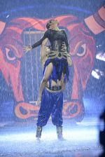 Karan Tacker at the grand finale of Jhalak Dikhhla Jaa in Filmistan, Mumbai on 18th Sept 2014 (281)_541c19ce23e7a.JPG