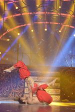 Mouni Roy at the grand finale of Jhalak Dikhhla Jaa in Filmistan, Mumbai on 18th Sept 2014 (344)_541c1a51095fd.JPG