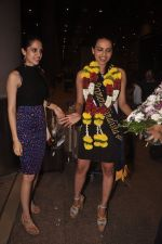Gail Nicole Da Silva, Miss India snapped after she returns from as winner from contest in Airport on 20th Sept 2014 (140)_541eb4c7ea7a7.JPG