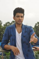 Karan Kundra on set location for MTV Webbed on 21st Sept 2014 (72)_541fcde54ec6b.JPG
