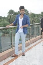 Karan Kundra on set location for MTV Webbed on 21st Sept 2014 (73)_541fcde616495.JPG