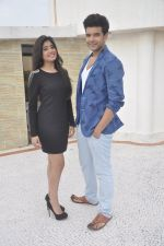 Kritika Kamra and Karan Kundra on set location for MTV Webbed on 21st Sept 2014 (60)_541fcdea99f79.JPG