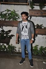 Gurmeet Choudhary at 3AM premiere in Sunny Super Sound on 25th Sept 2014 (26)_54259665d8719.JPG