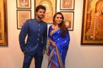 Rani Mukherjee inaugurates Suvigya Sharma_s art exhibition in Cymroza Art Gallery on 25th Sept 2014 (179)_54255cd7ea947.JPG