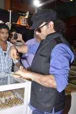 Mohit Chauhan Launches Times Glitter in J W Marriott on 27th Sept 2014 (97)_54277cbd3a863.JPG